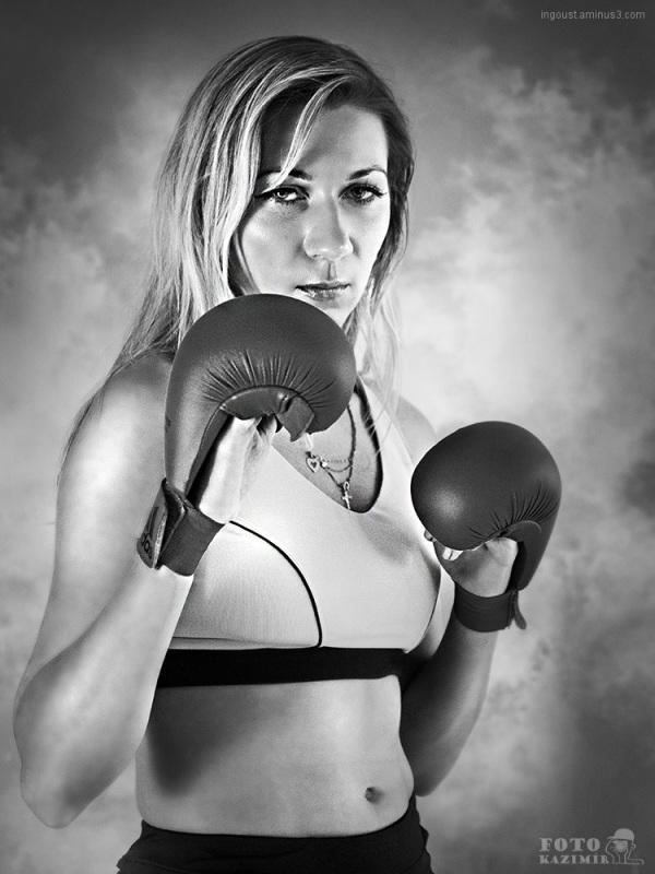Boxing girl II.