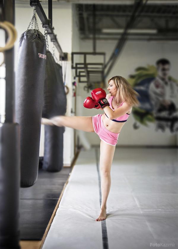 Boxing girl III.