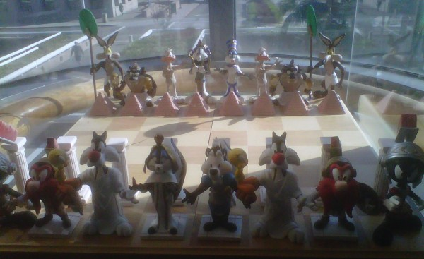 looney tunes chess board