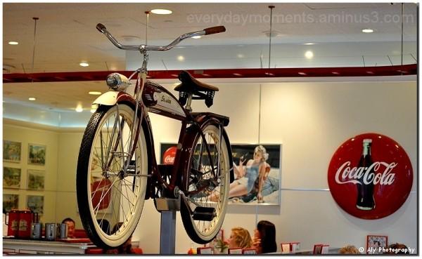 Bike, restaurant,Nikon D5000