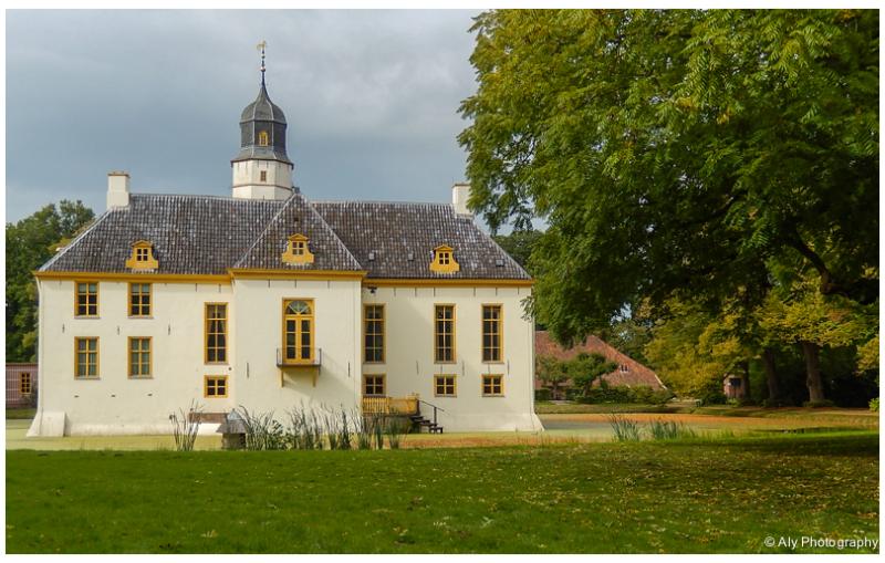 Fraeylemaborg garden view