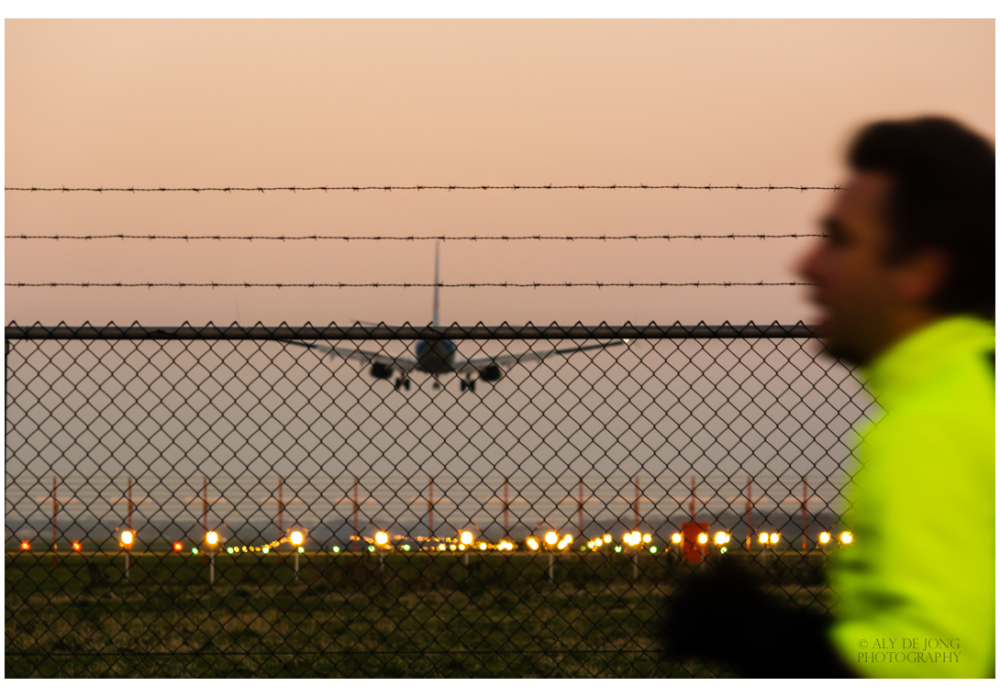 Haast, landing vliegtuig , opzij opzij.