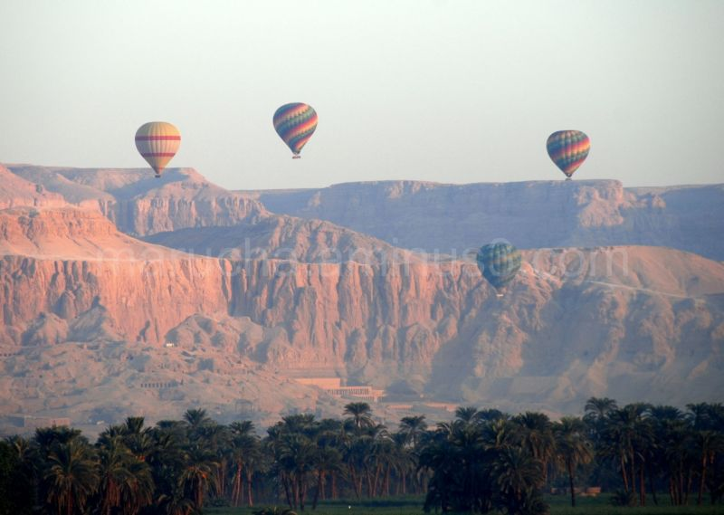 Ballons over Western Thebes