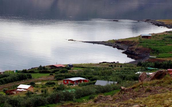 Cabanes au bord de l'eau