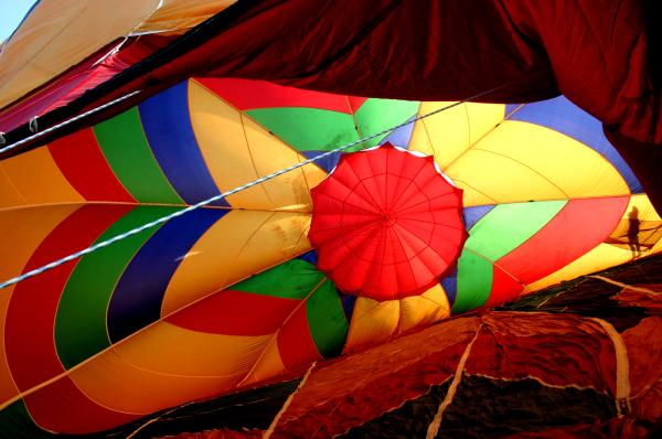 Dans la gueule de la montgolfiière
