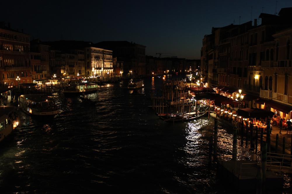 La nuit aime le Grand canal