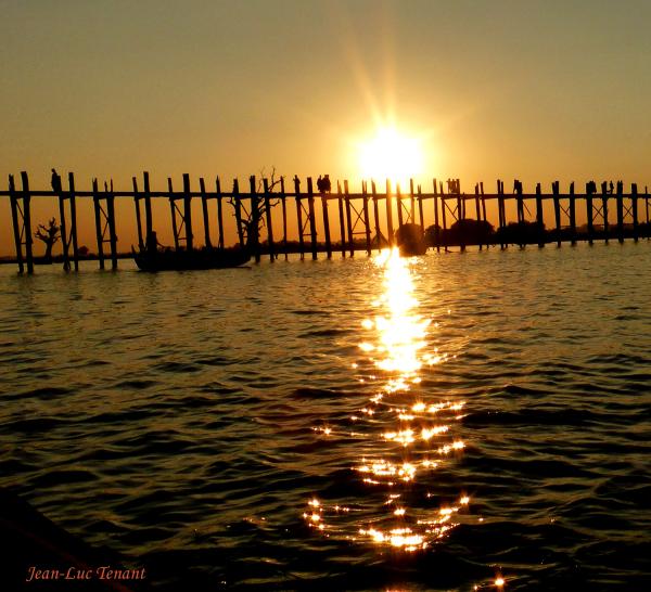 Coucher de soleil sur le pont U-Bein