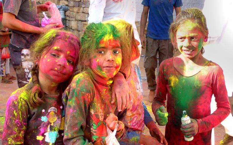 """La fête de """"Holi"""", fête des couleurs."""