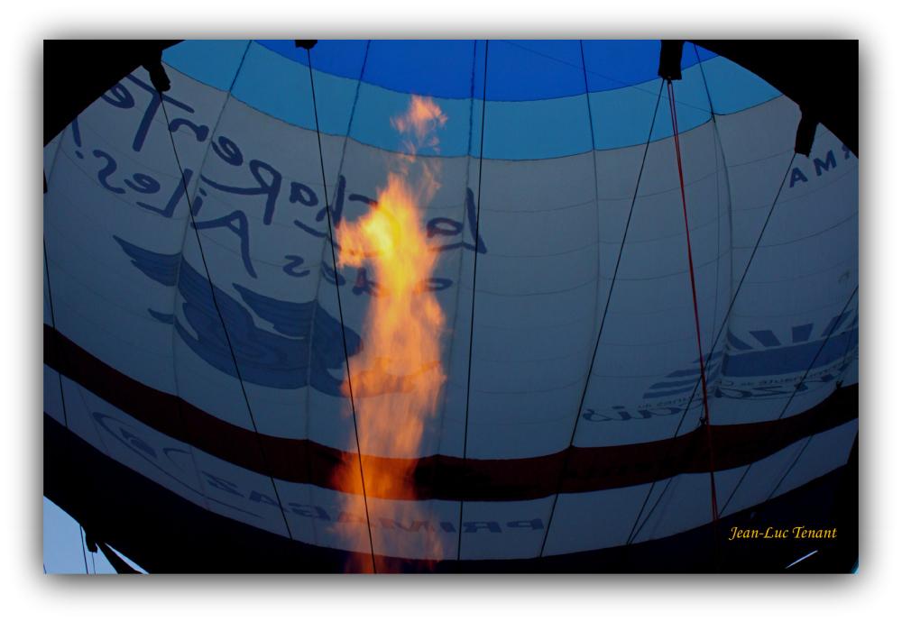 La chaleur, moteur de la montgolfière.