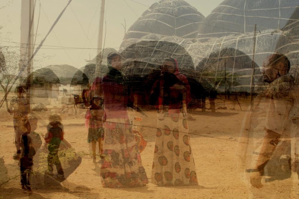 Village à l'entrée du désert