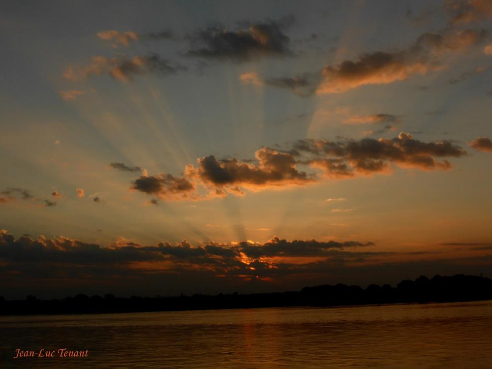 Soleil sur l'Irrawati