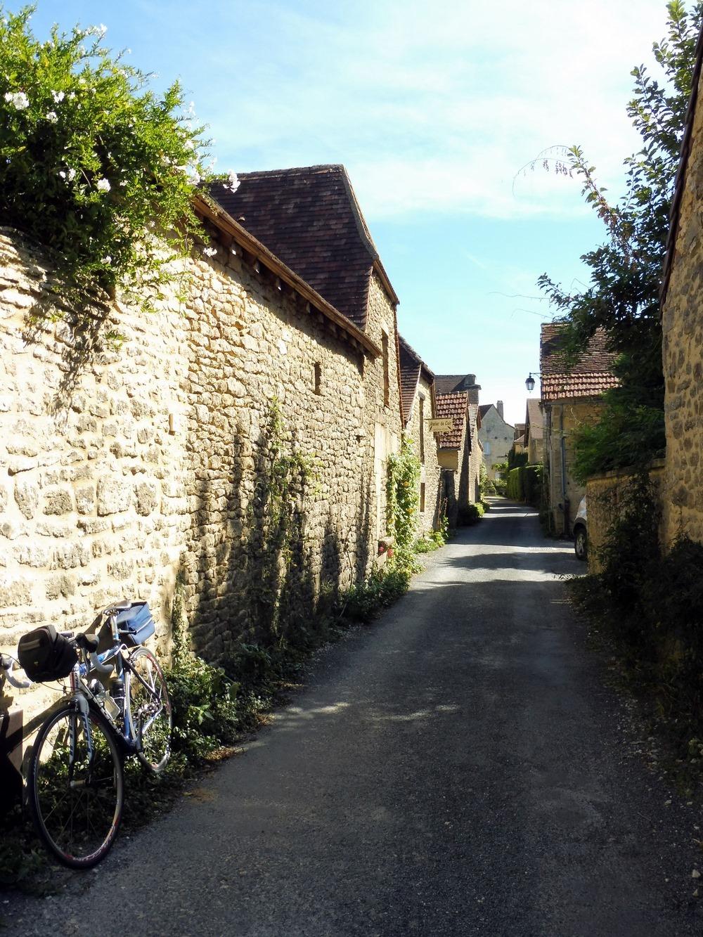 Le Périgord à vélo. Fanlac, au pays de Jacquou