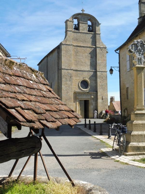 Le Périgord à vélo. Fanlac, au pays de Jacquou (2)