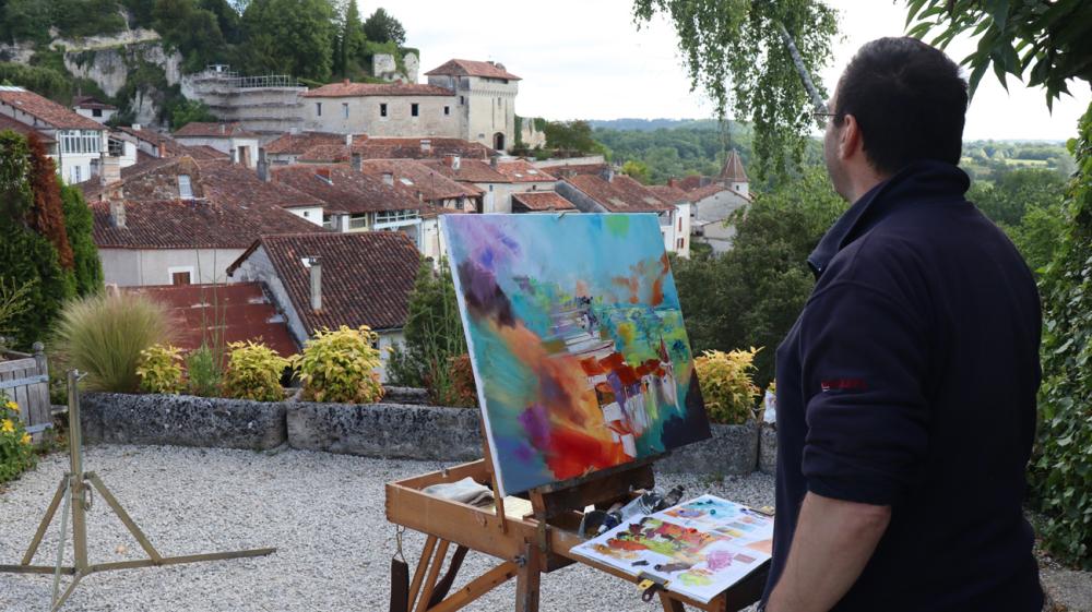 Le peintre à Aubeterre sur Dronne