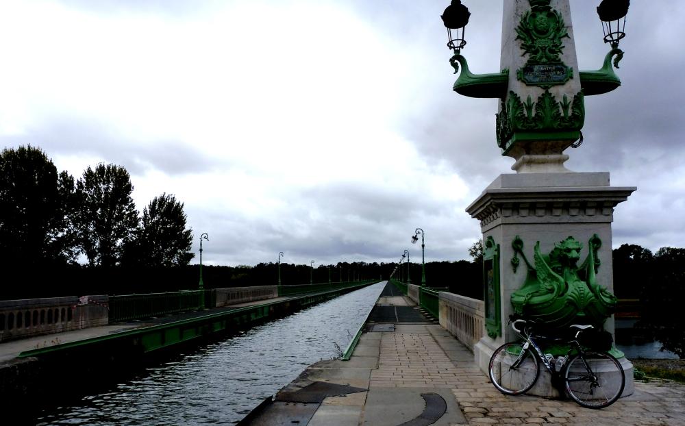 Loire à vélo: Pont-canal de Briare