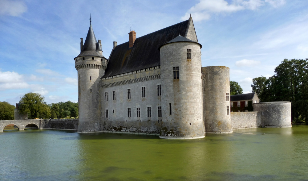 Loire à vélo: Château de Sully/Loire.