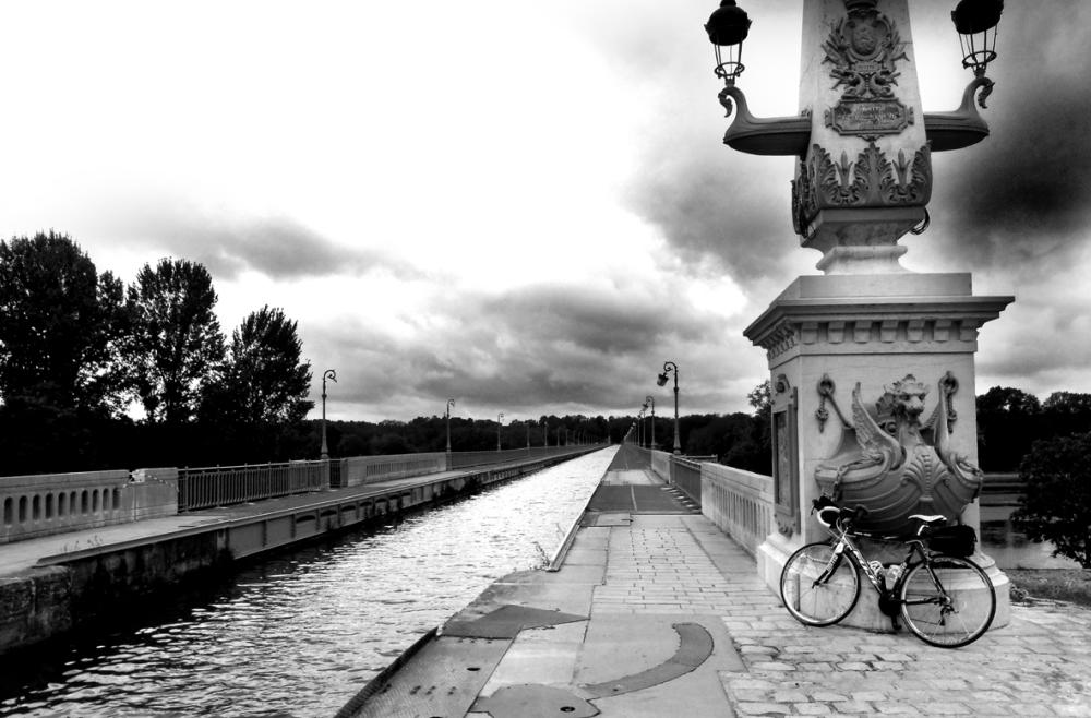 La Loire (Briare N&B)