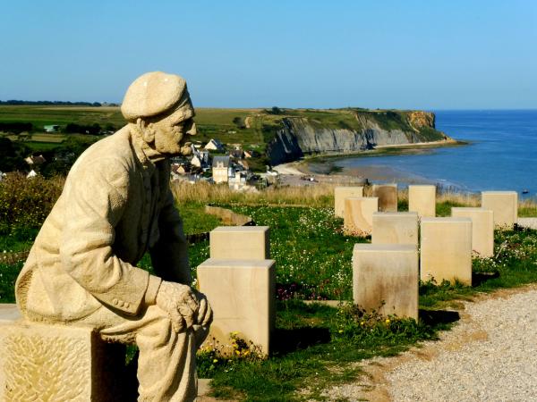 Le vétéran devant la plage d'Arromanches