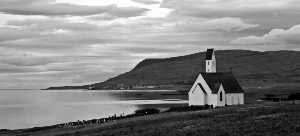 Chapelle en bord de mer