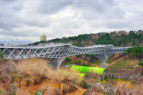 Tehran, Tabeeat Bridge