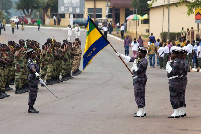 salut du drapeau pendant la fête nationale