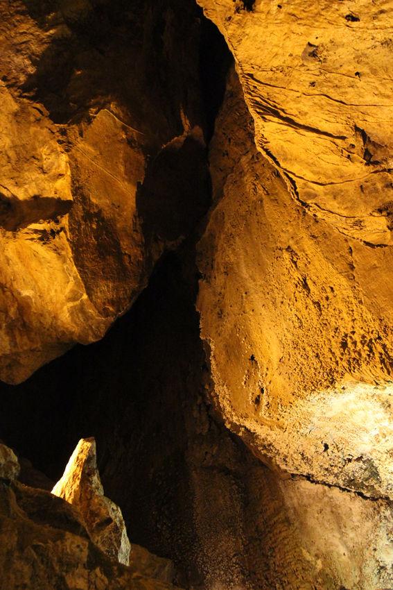 Alisadr Cave-2