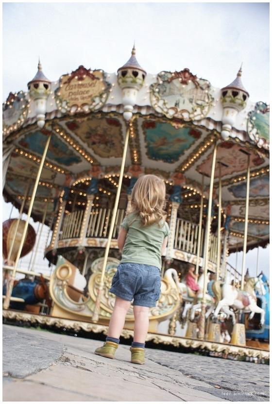 Please daddy, can I go on the fair? (2)