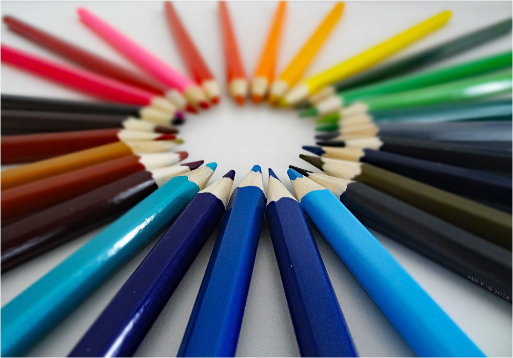 I color ...