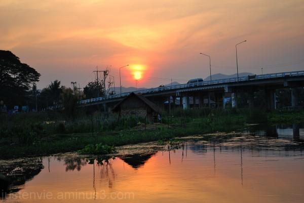 Couché de soleil à Kanchanaburi