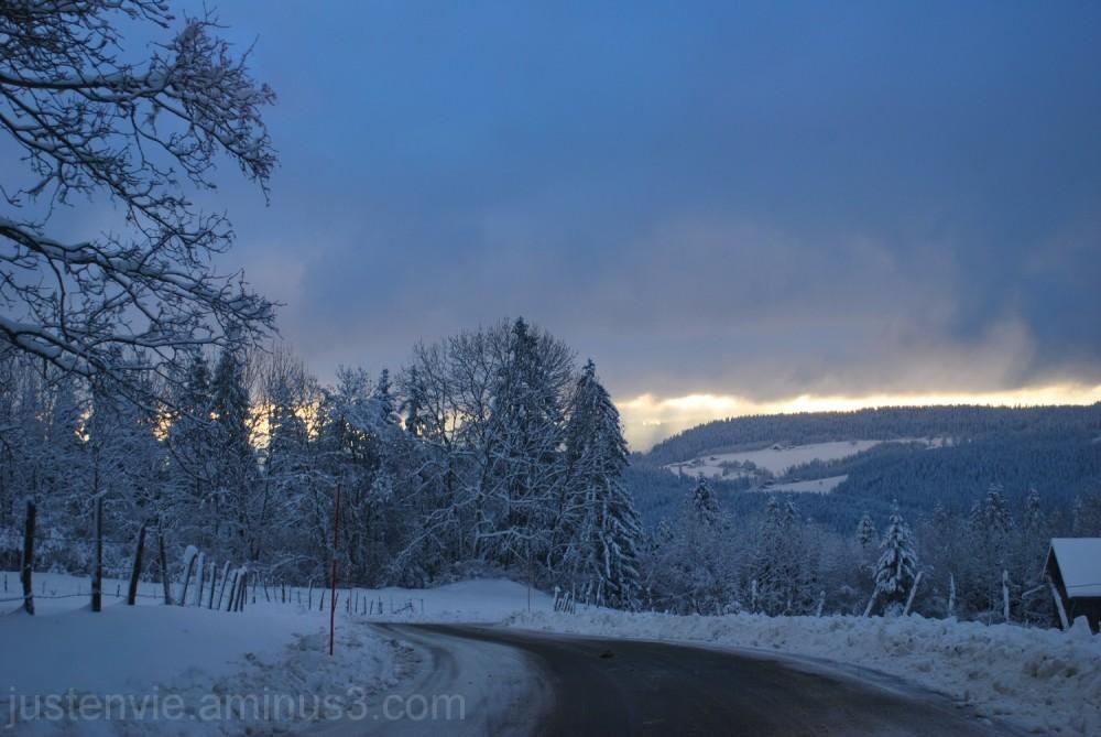 Neige et soleil sur la Suisse