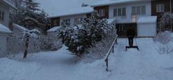 Lumitöissä- Working in the snow.