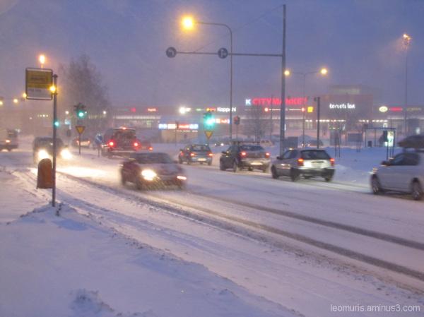 Liikennettä talvela - trafic by winter