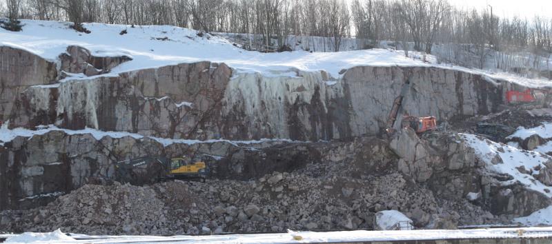Kaivinkoneita - Excavators.