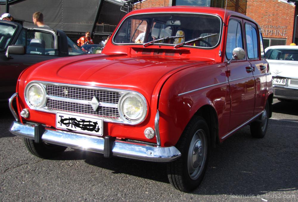 Punainen Renault - Red Renault