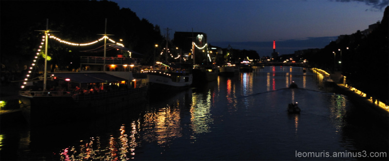 Valoja joella - Lights on the river