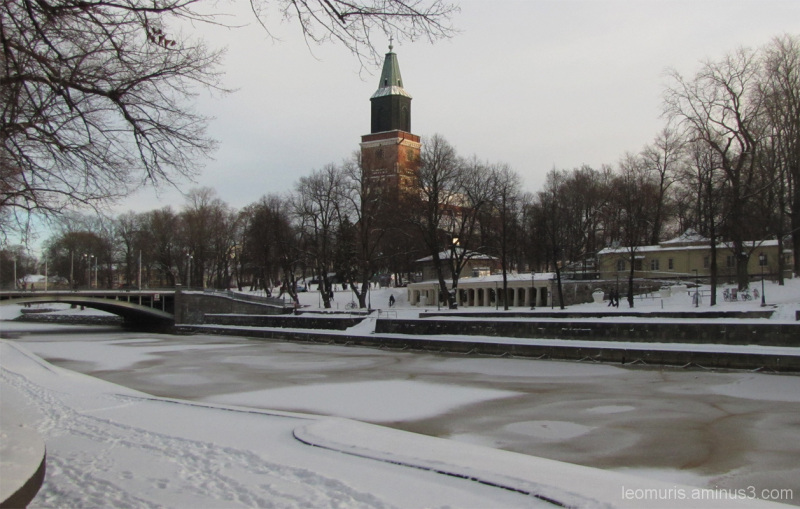 Jäätynyt joki - Frozen river.