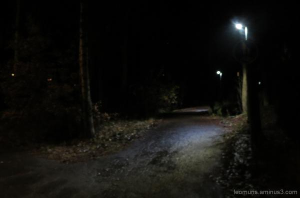 Pimeää ja valoja - Dark and lights