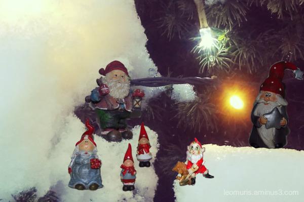 elves in snow