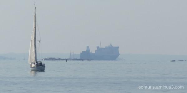 big and smalla ship
