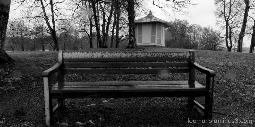 one gray bench