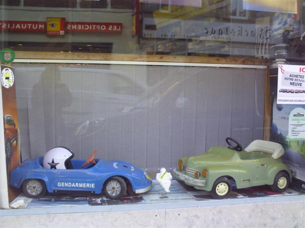 toys car cars kid kids shop street town renault