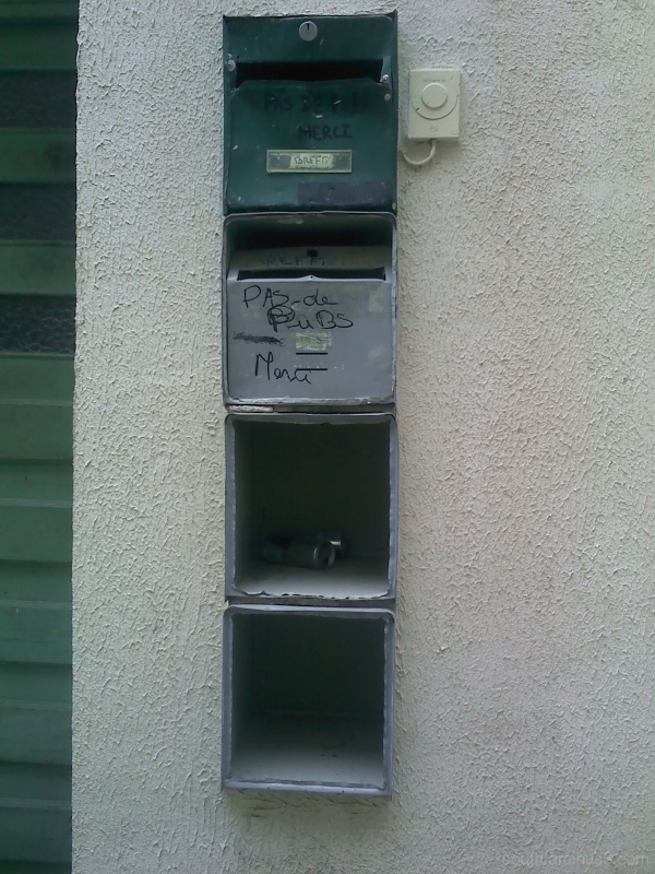letter box emptyness beer