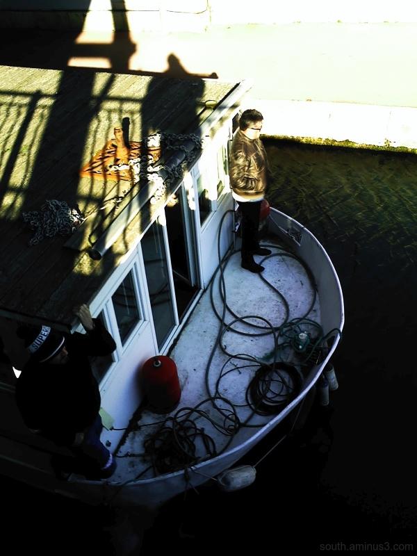 boat narbonne france canal men