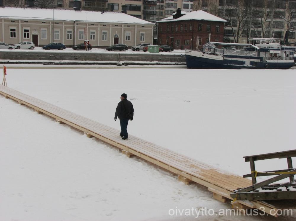 ice bridge over the River Aura