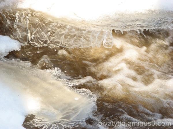 Foaming rapids