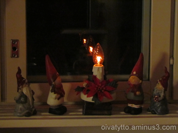 Gnomes at the window!