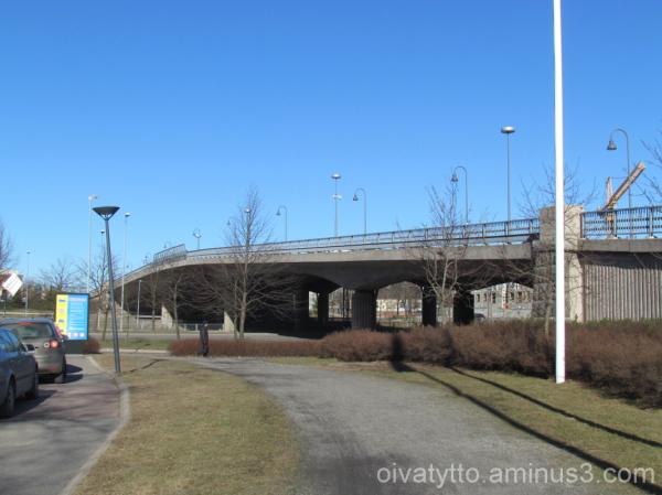 The bridge over the railway!