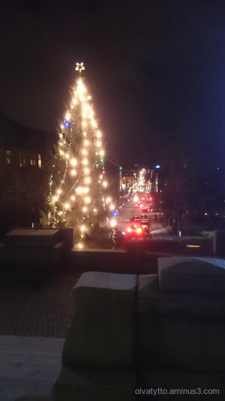Street view of Turku Art Museum hill.