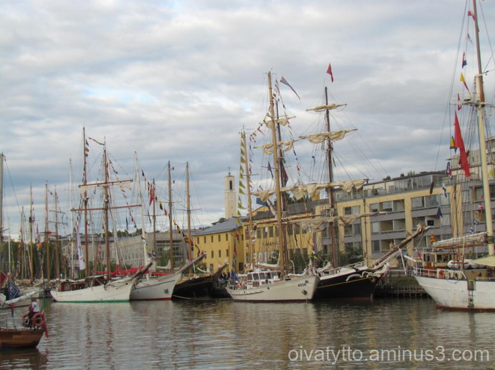 Large sailing ships 5