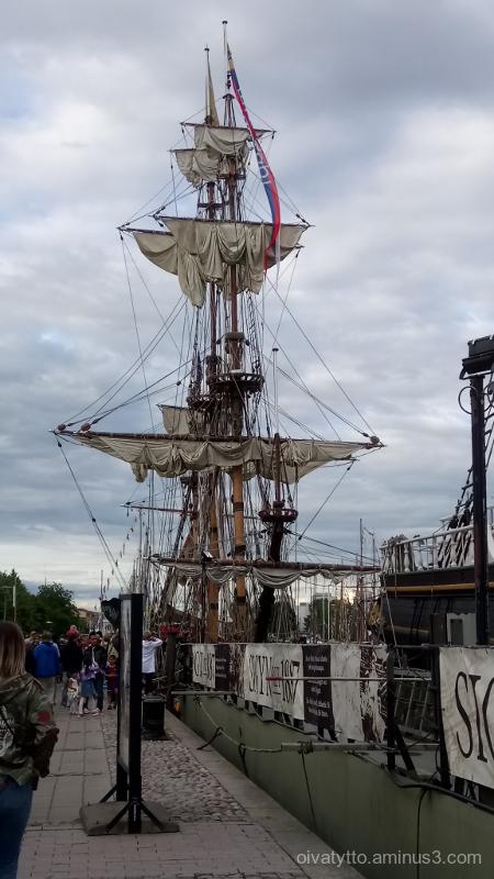 Large sailing ships 6